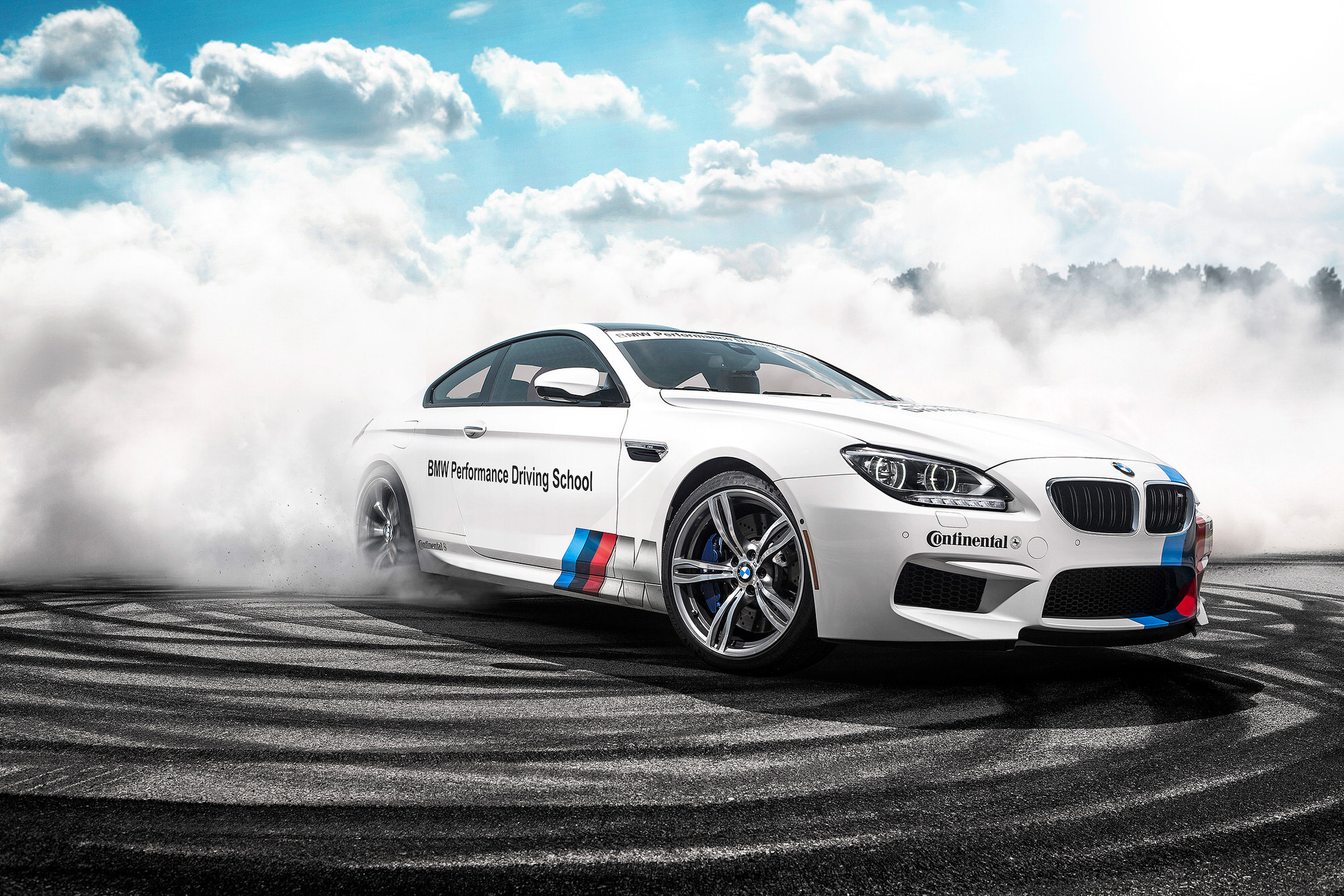 BMW Performance Center M6 Burnout