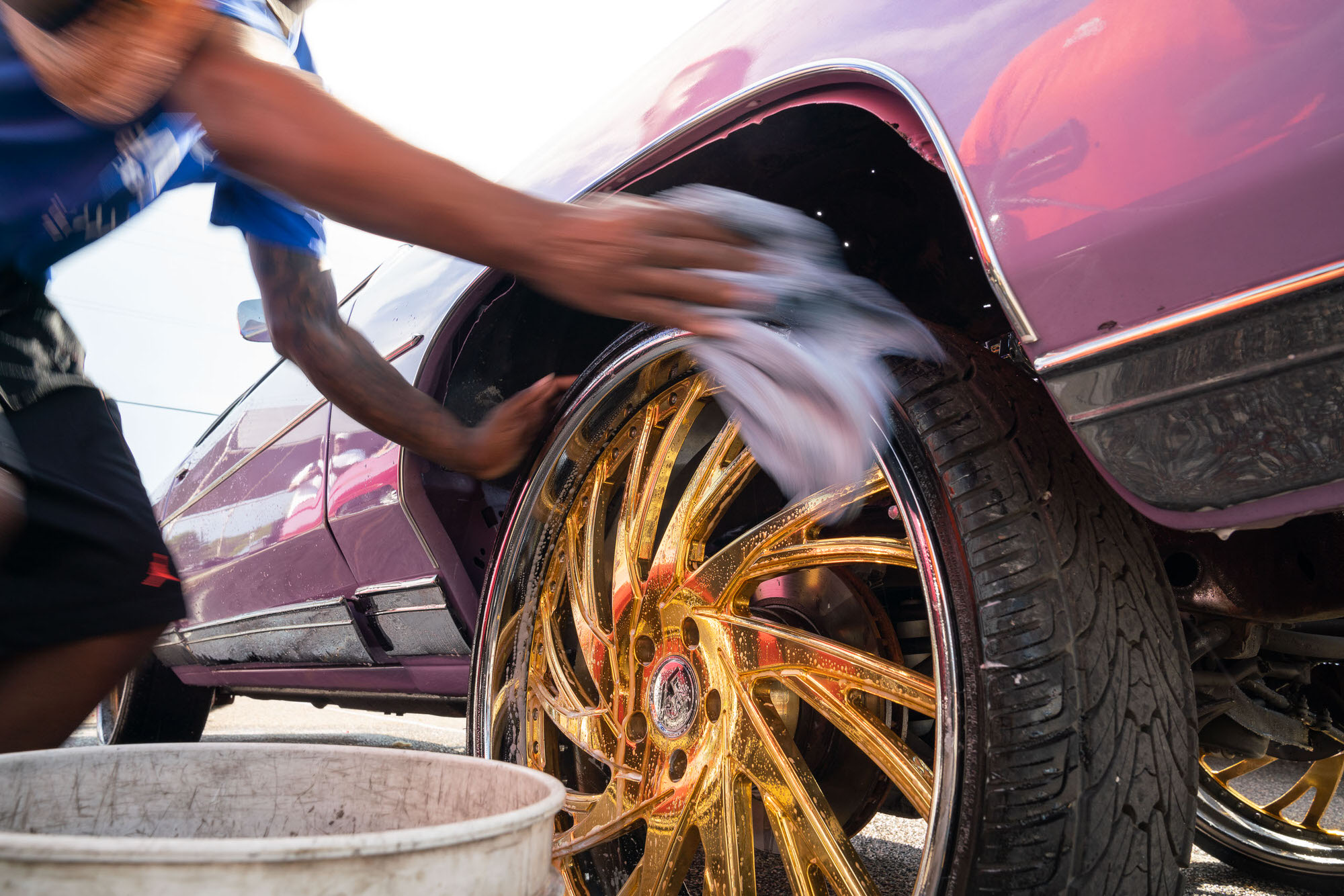 Washing wheels on a DONK