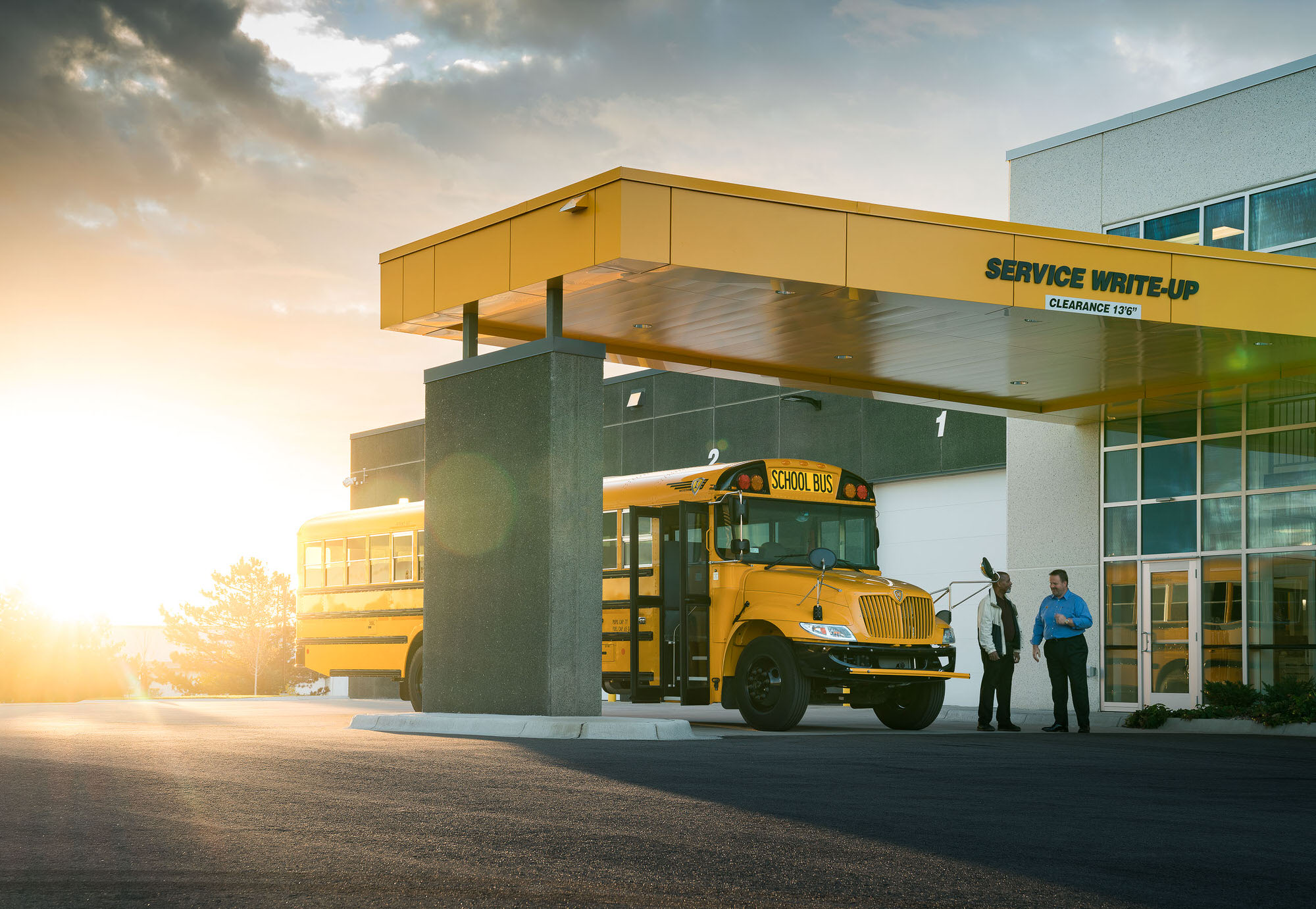 Navistar IC Bus Service commercial photography