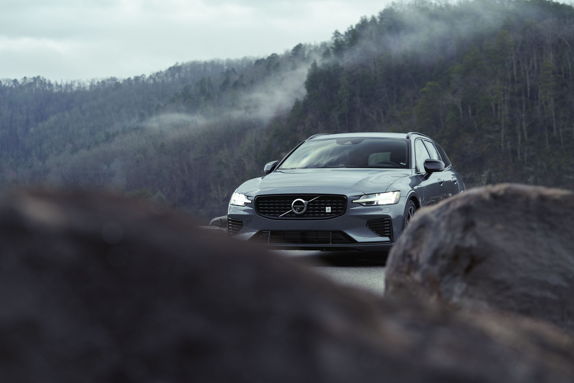 Volvo V60 T8 Polestar in the Tennessee mountains on a foggy morning.