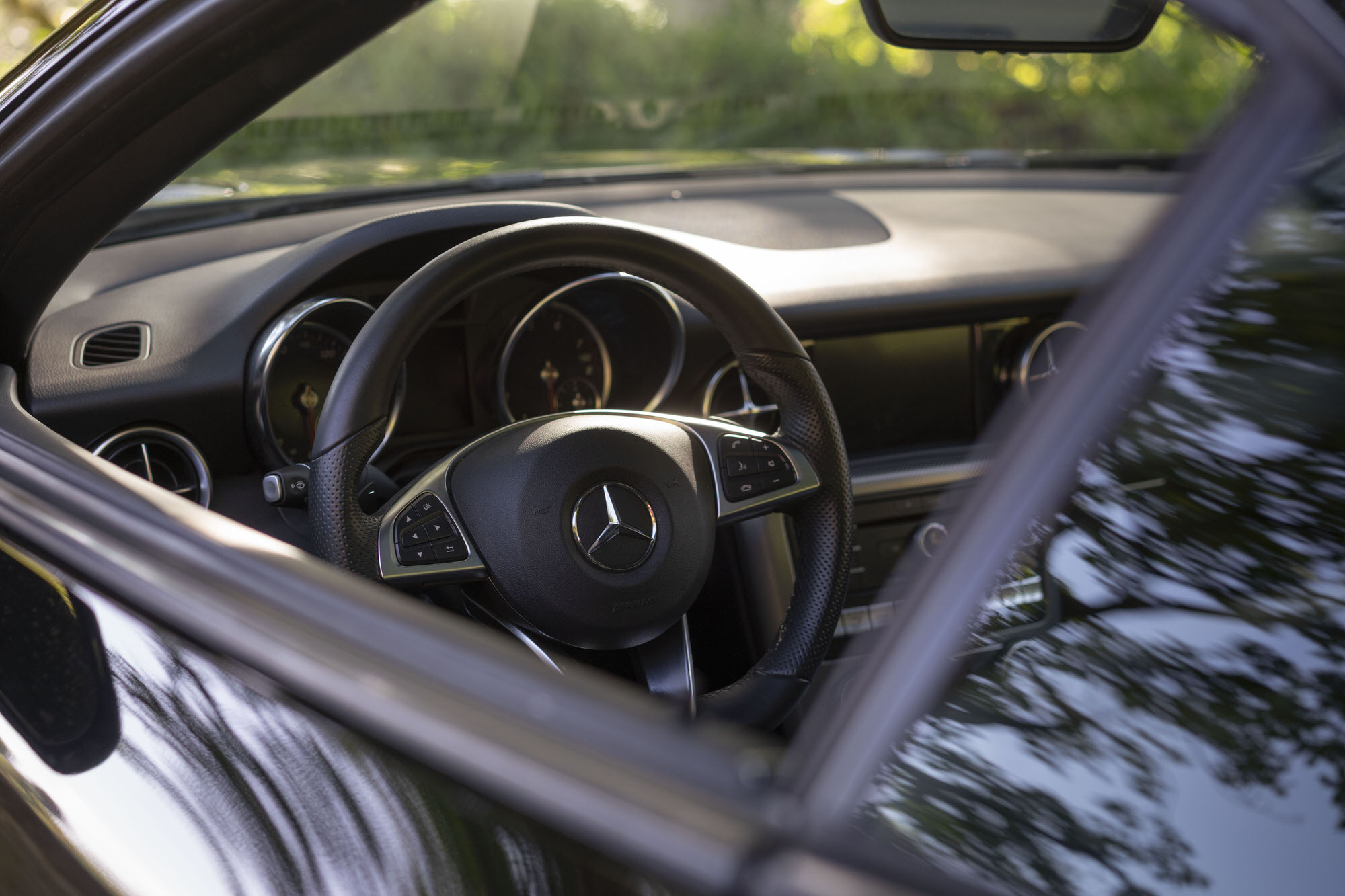 Black interior of Mercedes-Benz SLC 300 in Hawaii